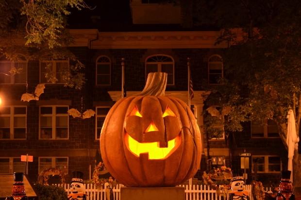 spirit-of-halloweentown-jack-o-lantern-nightjpg-a896224f6bf9759e